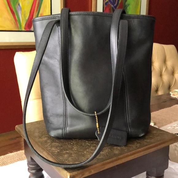 Coach Handbags - Vintage Coach bucket handbag